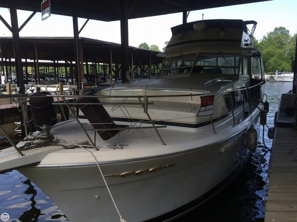Used Chris-Craft 410 Constellation Cruiser Boat For Sale