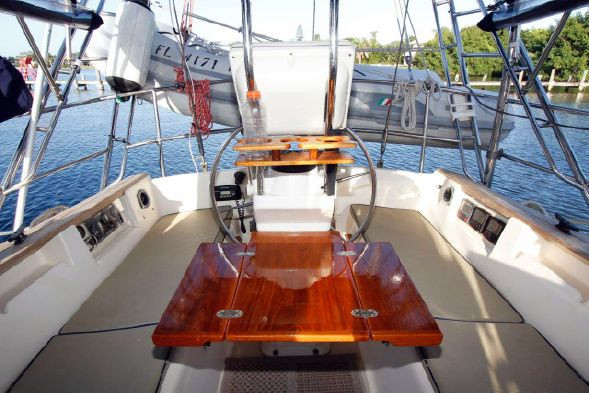 1998 Used Island Packet Yachts 40 Cruiser Sailboat For