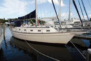 Used Island Packet Yachts 40 Cruiser Sailboat For Sale