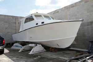 Used Crusader Modified Cruiser Boat For Sale
