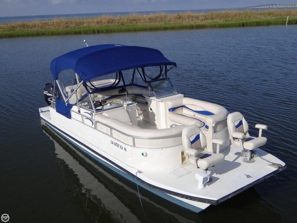 Used Bennington Custom Twin Engine Catamaran 26 Pontoon Boat For Sale