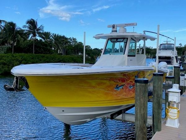 Used Caymas 341 CC Center Console Fishing Boat For Sale