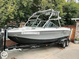 Used Nautique Super Air Nautique 220 Team Edition Ski and Wakeboard Boat For Sale