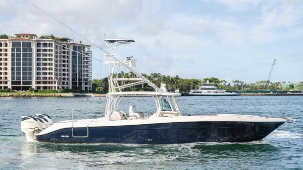 Used Hydra-Sports Center Console Fishing Boat For Sale