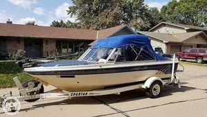 Used Crestliner Phantom 1960 SST Bowrider Boat For Sale