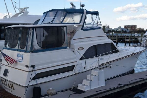 Used Ocean Yachts 46 Sunliner Motor Yacht For Sale
