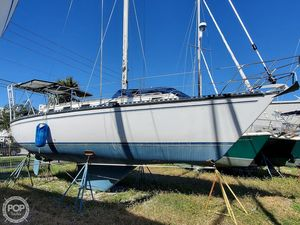 Used Endeavour E33 Racer and Cruiser Sailboat For Sale