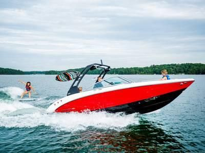 New Chaparral 23 Surf Bowrider Boat For Sale