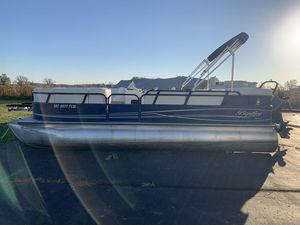 Used Bentley Pontoons 220 Cruise RE Pontoon Boat For Sale