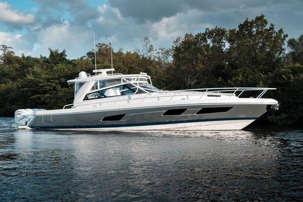 Used Intrepid 477 Evolution Express Cruiser Boat For Sale