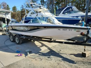 Used Correct Craft Super Air Nautique 210 Team Edition High Performance Boat For Sale