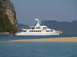 Used Sterling Yachts tri deck motoryacht Motor Yacht For Sale