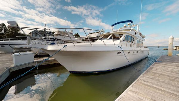 Used Navigator 5300 Motor Yacht For Sale