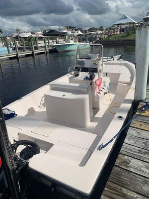 Used Pathfinder 2200 V Center Console Fishing Boat For Sale