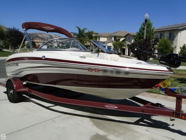 Used Tahoe Q5i SF Fish & Ski Bowrider Boat For Sale