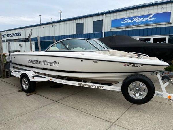 Used Mastercraft 197 Prostar Ski and Wakeboard Boat For Sale