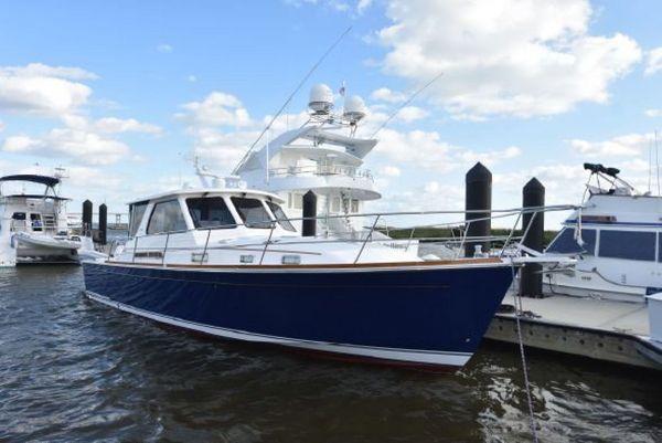 Used Sabre 42 Hardback Express Motor Yacht For Sale