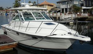 Used Tiara Yachts 2900 Open Classic Express Cruiser Boat For Sale