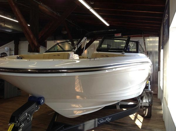 New Sea Ray 190 SPXO Ski and Fish Boat For Sale