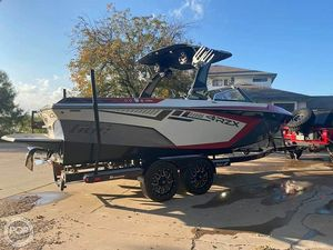 Used Tige RZX2 Ski and Wakeboard Boat For Sale