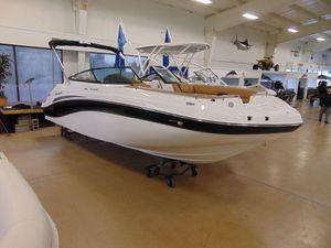 New Hurricane SunDeck 2486 OB Deck Boat For Sale