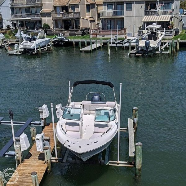Used Robalo R227 Bowrider Boat For Sale