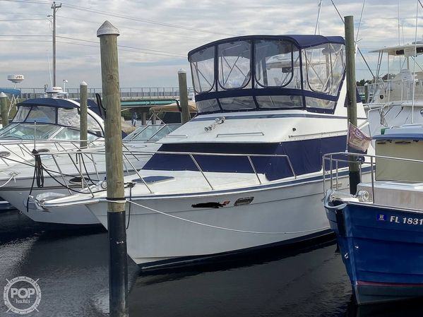 Used Tollycraft 30' Sport Cruiser Express Cruiser Boat For Sale