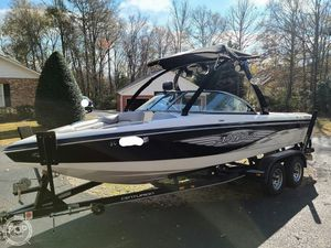 Used Centurion Air Warrior Elite C4 Ski and Wakeboard Boat For Sale