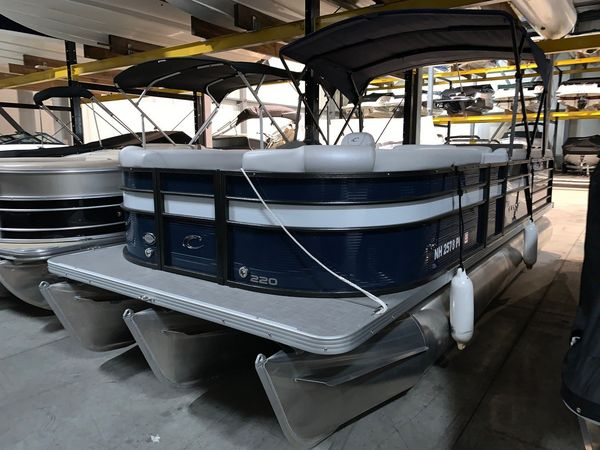 Used Crest II 220 SLS Pontoon Boat For Sale