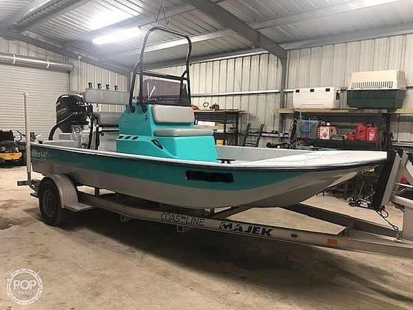 Used Majek Ultra Cat Center Console Fishing Boat For Sale