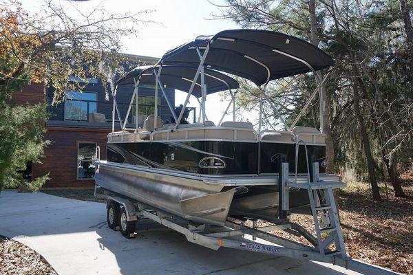Used Avalon Venture 2280 QL Pontoon Boat For Sale