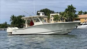 Used Scout 355 LXF Motor Yacht For Sale
