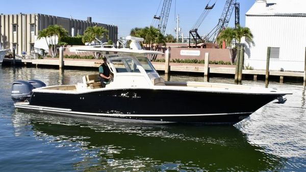 Used Scout 320 LXF Sports Fishing Boat For Sale