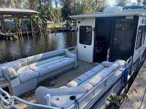 Used Sun Tracker 32 Party Cruiser House Boat For Sale