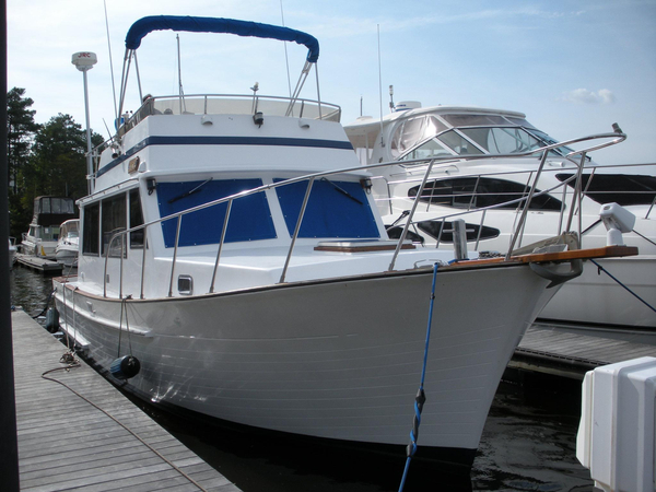 Used Senator Flybridge Sedan Trawler Boat For Sale