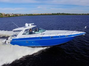 Used Cruisers Yachts 4270 Esprit Express Cruiser Boat For Sale