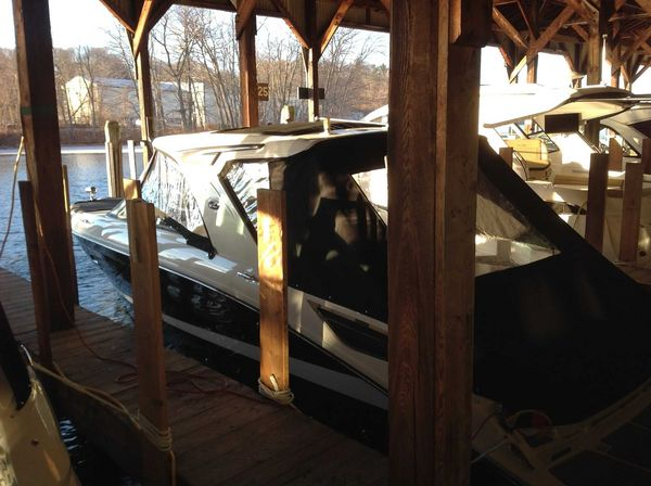 New Sea Ray 350 SLX Express Cruiser Boat For Sale