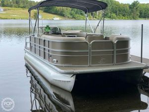 Used Misty Harbor Adventure A-2085CR Pontoon Boat For Sale