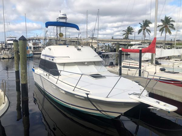 Used Bayliner Contessa Command Bridge Flybridge Boat For Sale