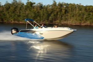 New Starcraft SVX 231 Deck Boat For Sale
