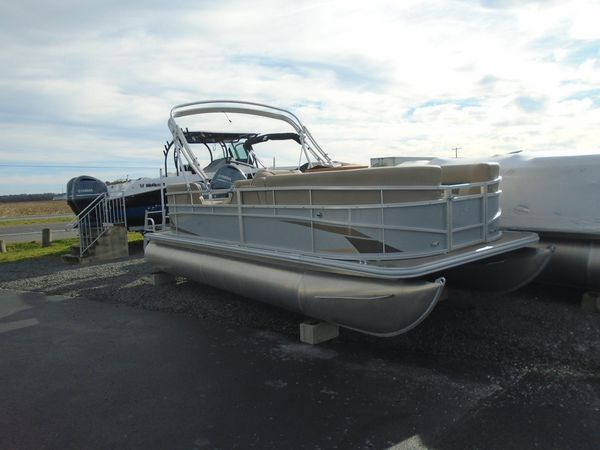 New Starcraft LX 20 R Pontoon Boat For Sale