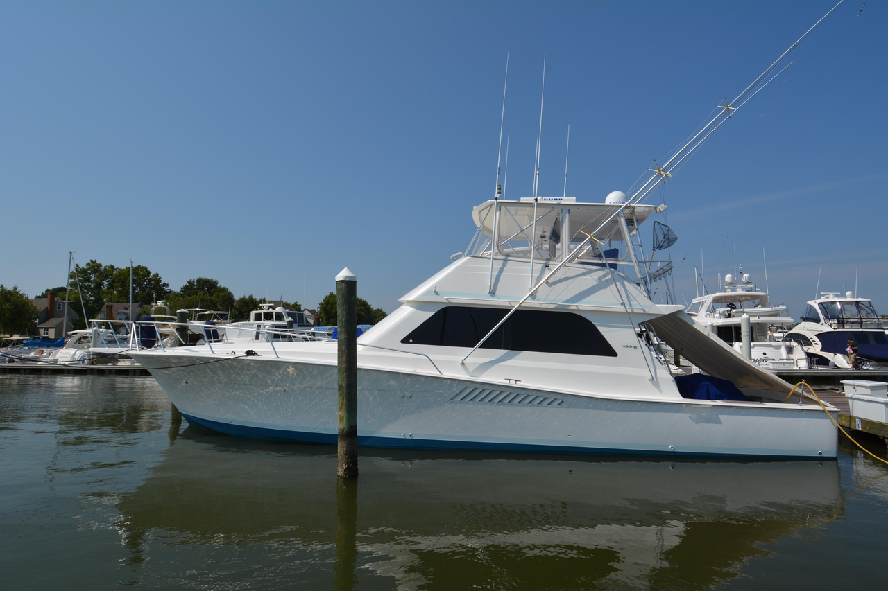 1998 Used Viking 50 Convertible Sports Fishing Boat For