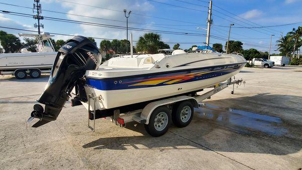 Used Bayliner 217 Outboard Deck Boat For Sale