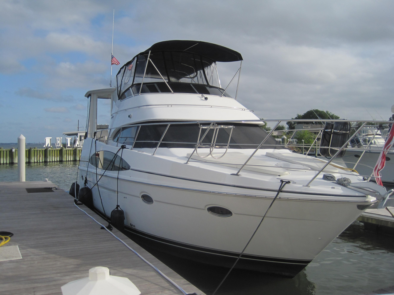 2000 Used Carver 396 Motor Yacht Motor Yacht For Sale