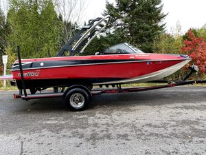 Used Malibu Response FXi Ski and Wakeboard Boat For Sale