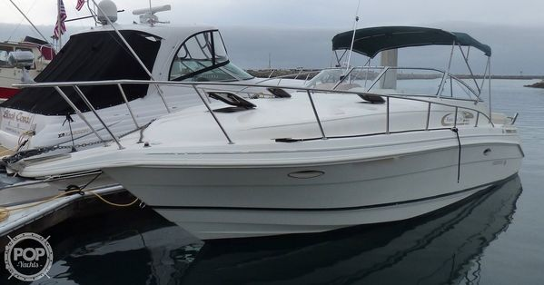 Used Rinker Fiesta Vee 280 Express Cruiser Boat For Sale