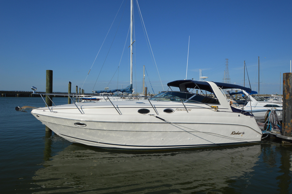 Used Rinker 342 Fiesta Vee Cruiser Boat For Sale