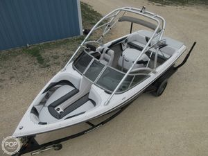 Used Moomba Mobius LS Ski and Wakeboard Boat For Sale
