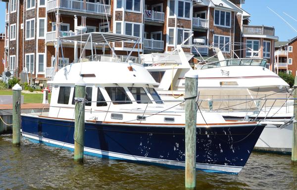 Used Sabre 42 FLYBRIDGE SEDAN Flybridge Boat For Sale