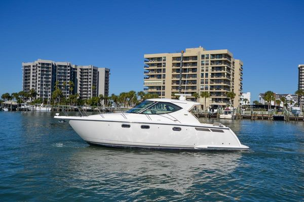 Used Tiara Yachts 3500 Sovran Express Cruiser Boat For Sale